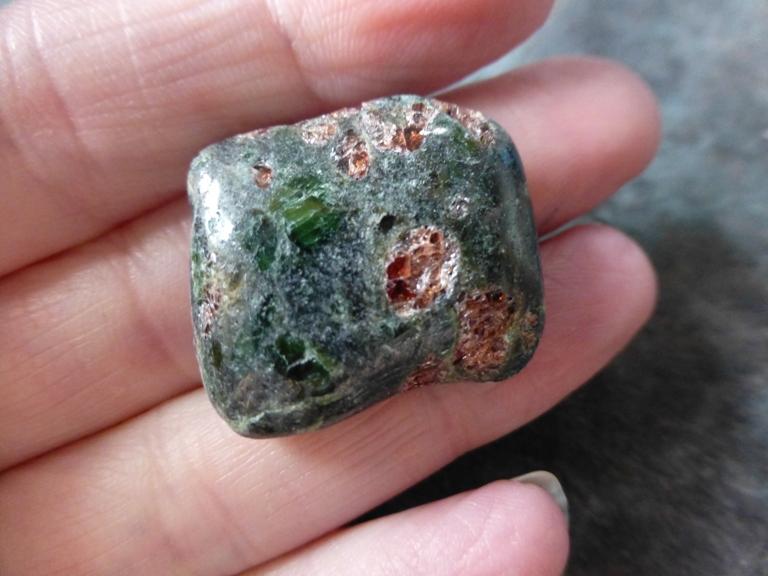 Garnet In Pyroxene